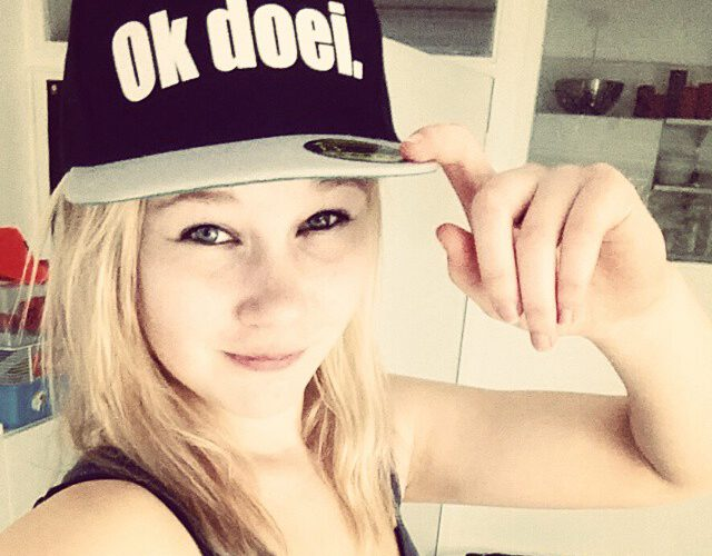 @charly.on.the.run met Ok doei. pet (snapback)